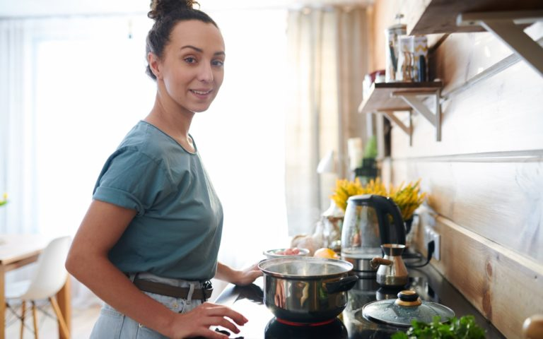 How to Prioritize Homemaking (When You're Too Busy)